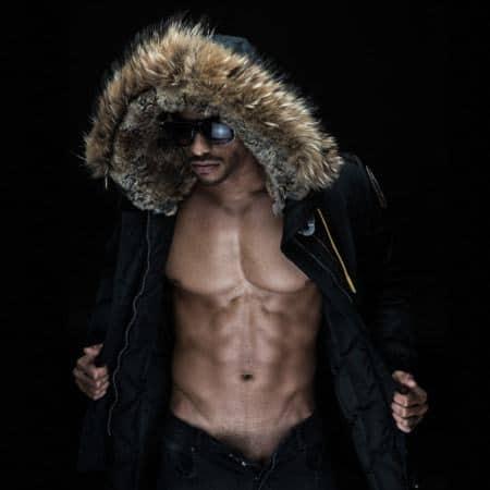 Werbefoto Winterjacke, Sonnenbrille, Fitness